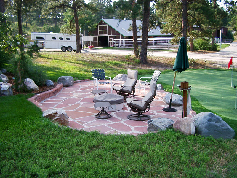 Patio & Putting Green
